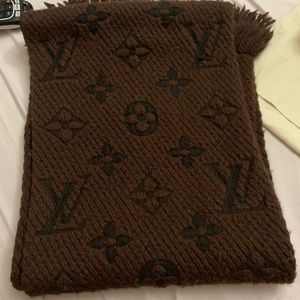 Louis Vuitton giant monogram scarf